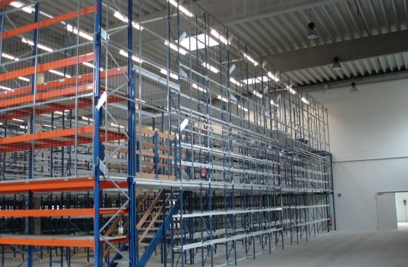 pallet-racking-mezzanine-floor-stairs